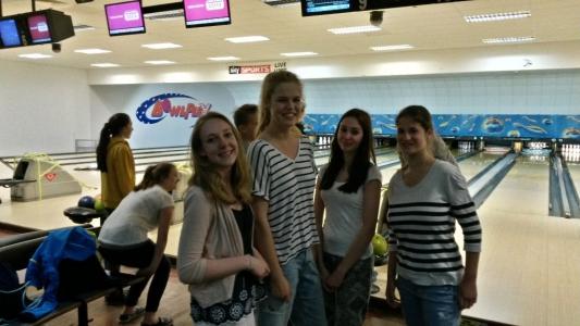 Gruppe 1-1 beim Bowling