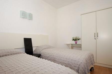 Schlafzimmer 2 im schuleigenem Penthous