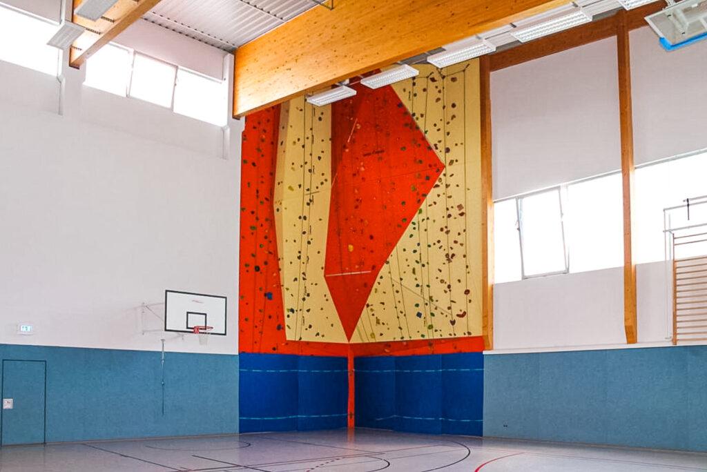Dreifach-Turnhalle für alle gängigen Sportarten